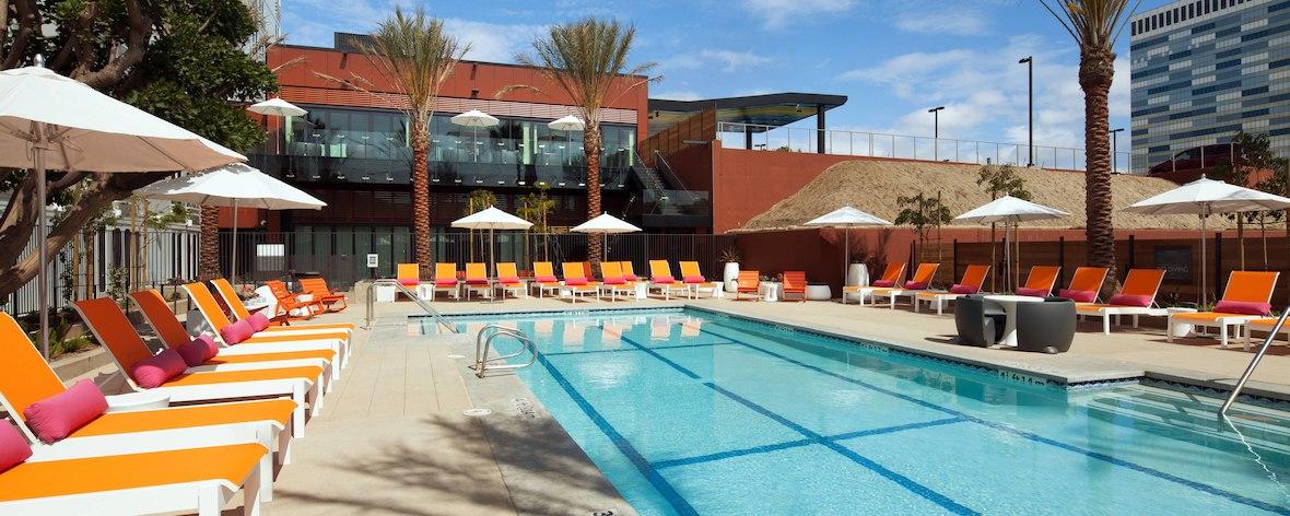 Aloft-LAX-pool