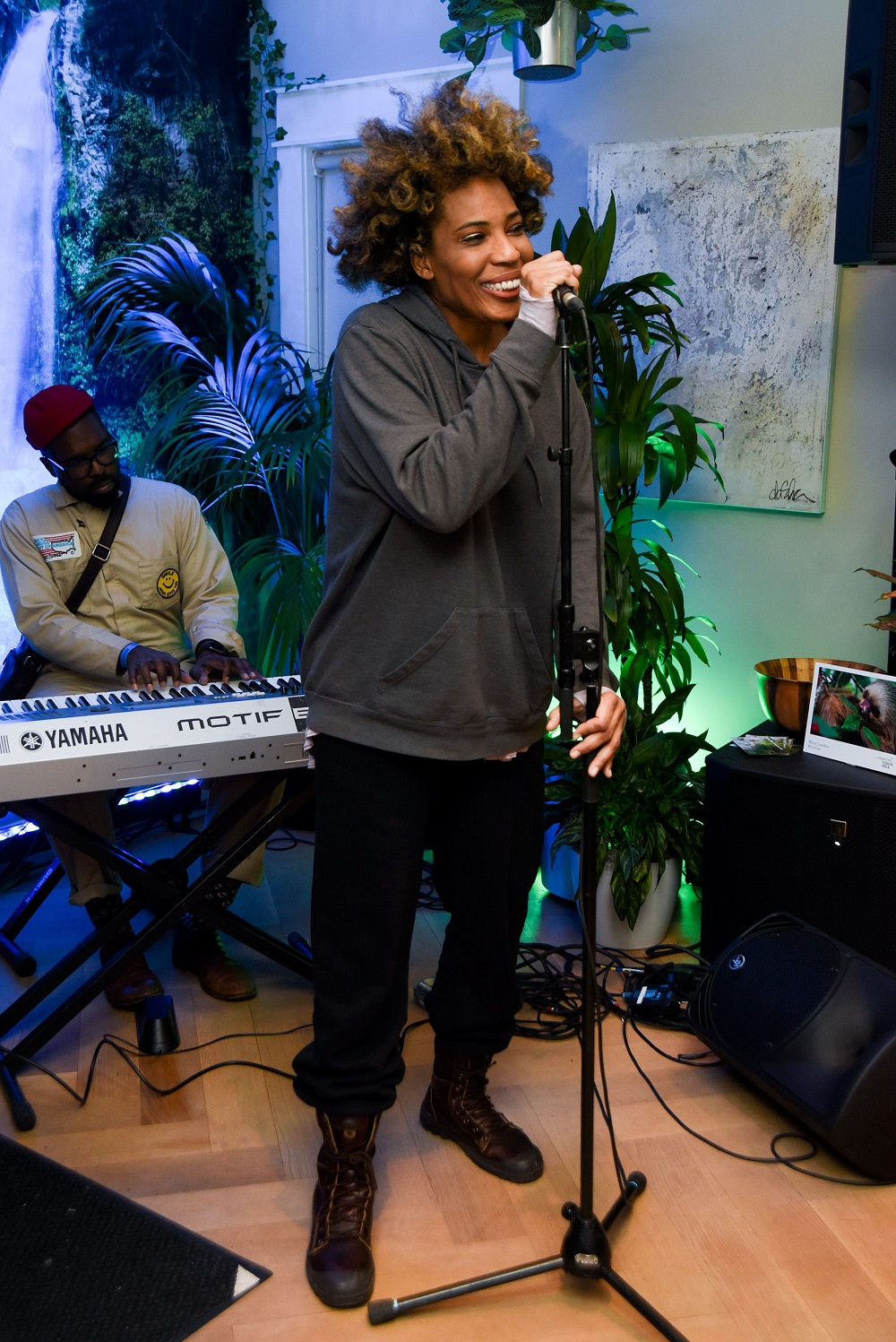 Macy Gray performing at the APEX Social Club + Company 3 party at WanderLuxxe Filmmaker Lounge
